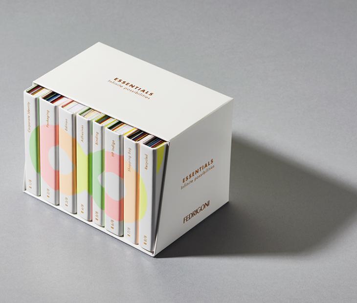Chega o novo catálogo Essentials: 8 booklets, [∞] infinitas posibilidades Fedrigoni