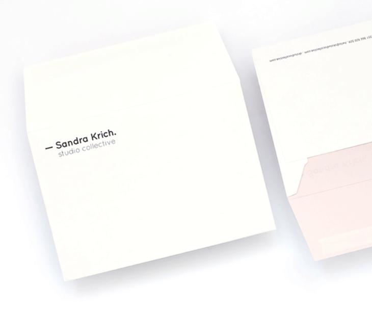 No coletivo de Sandra Krich os detalhes fazem-se de rosa.