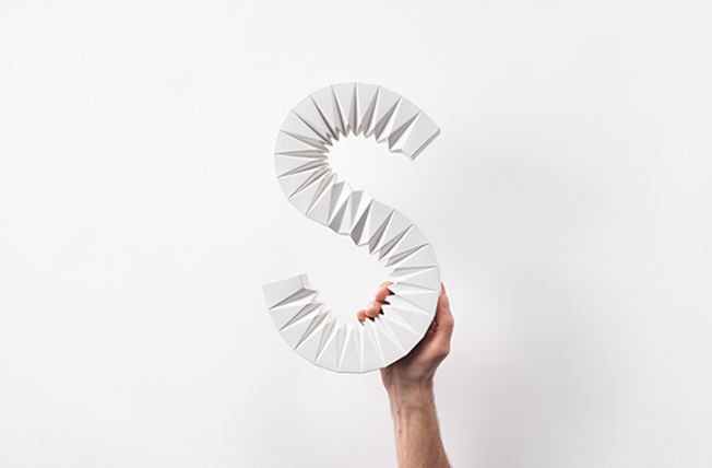 Um grande S de origami para o bom design sueco