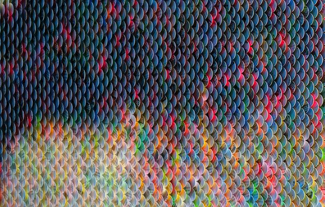 Consegue adivinhar o que representa esta obra tridimensional em papel?