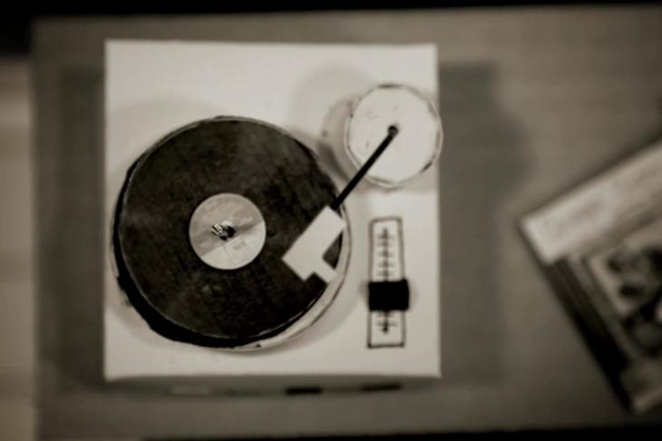 Fantástico vídeo da SeveralStudio para The Pepper Pots, realizado em papel