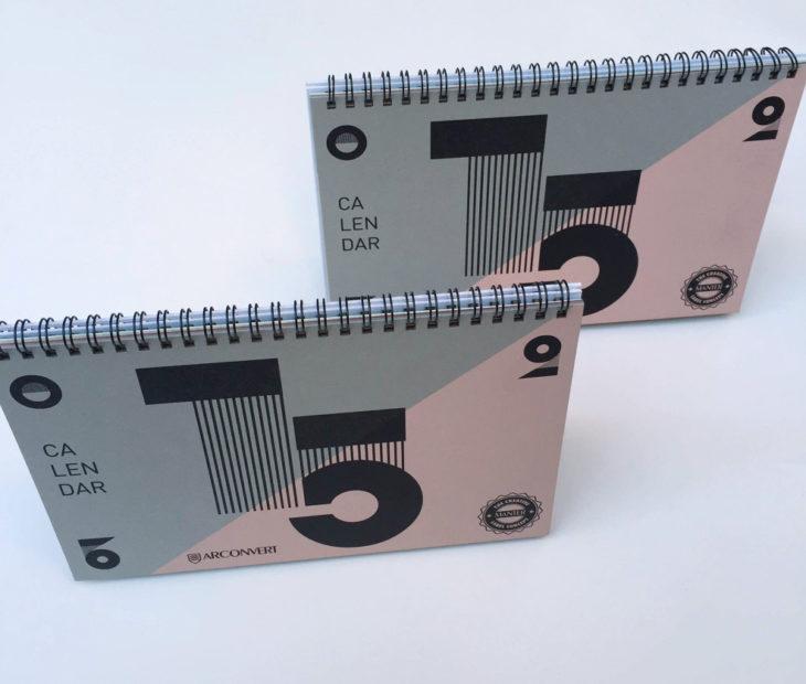 Torne todos os dias especiais com o calendário geométrico de Blou And Rooi