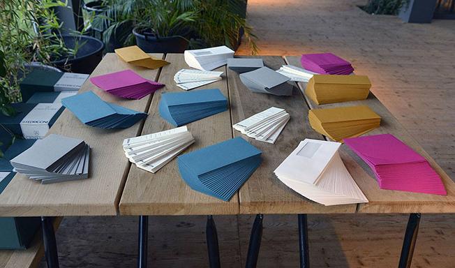 Century, novo catálogo com a gama completa de envelopes a combinar com mais de 30 tipos de papéis especiais.