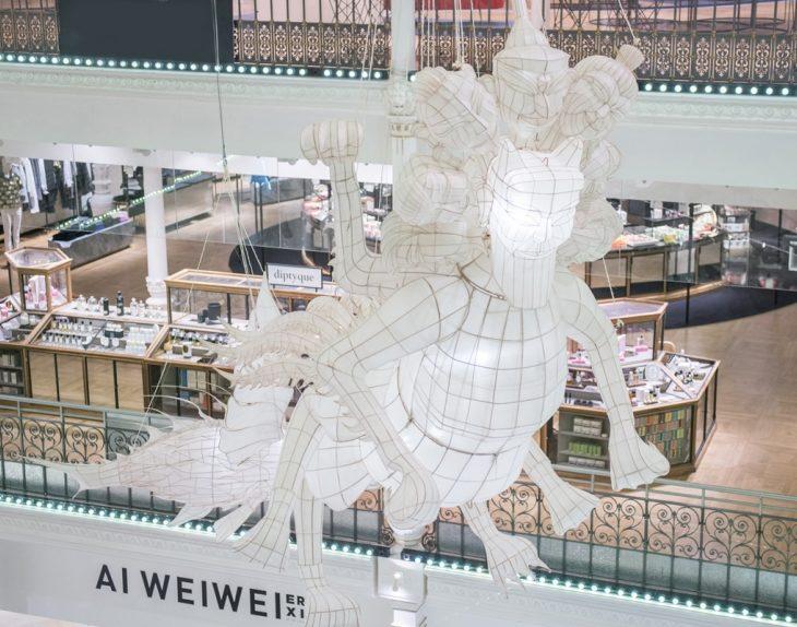 Ai Weiwei volta à tradição com esculturas de papel gigantes