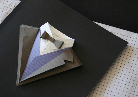 Pergunta para o especialista: «Gostava de saber que papel Fedrigoni é ideal para realizar as técnicas de Origami e para a técnica de corte manual com x-ato»