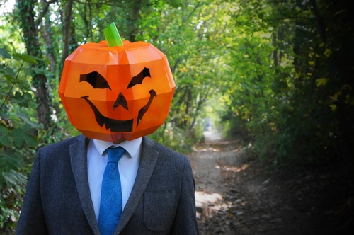 Já sabe como se vai mascarar no Halloween?