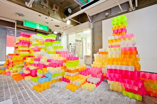 30.000 Post-Its criam uma impressionante instalação